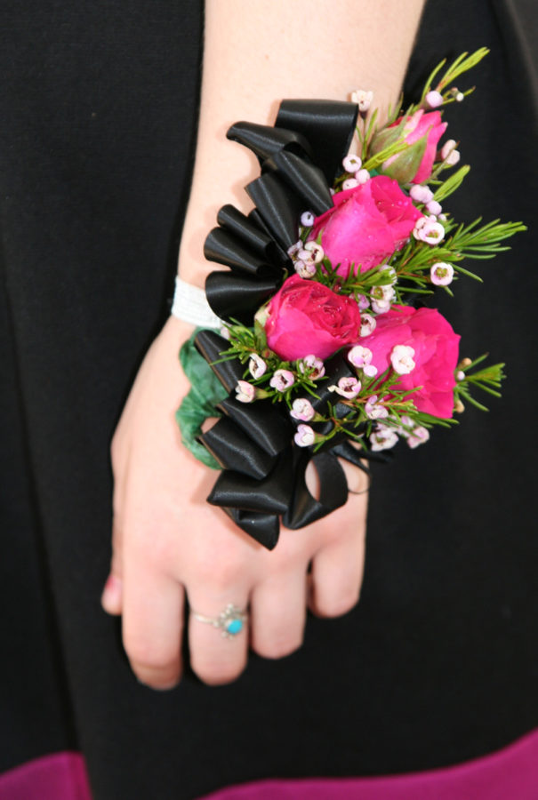 By Kim Navarre from Brooklyn, NY (Aleks' beautiful corsage  Uploaded by France3470) [CC BY-SA 2.0 (https://creativecommons.org/licenses/by-sa/2.0)], via Wikimedia Commons