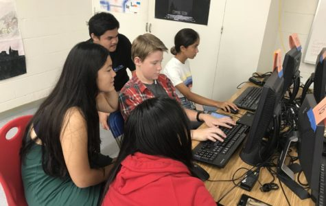 Students at Kalani High School collaborate on computer-based projects. Photo by S. Wong 2018.