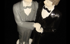 Gay couple for wedding cake. Photo by Stefano Bolognini. Wiki Commons 2020.