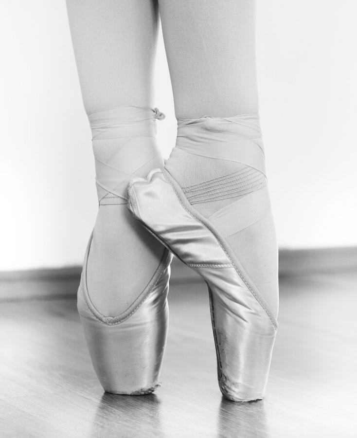 Ballet shoes (Russian ballet school М. Исаева) Wiki Commons.